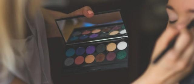 Nail Salon False Eyelashes: How Bad Are They?