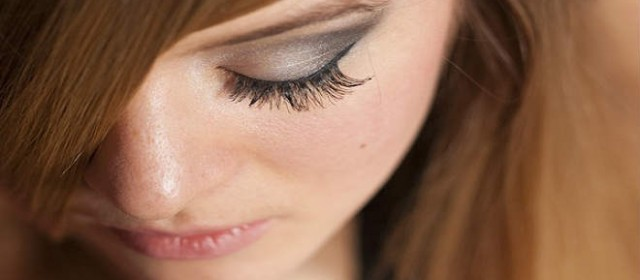 Bedroom Eyes - Why Men Love Long Lashes