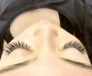 Woman with amazing looking eyelash extensions in Chicago