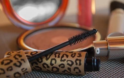 Get Longer Lashes with Fiber Mascara