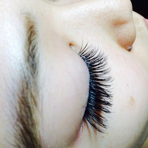 Eyelash Extensions Training at Chicago Lashes