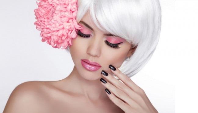 Stunning woman wearing eyelash extensions.